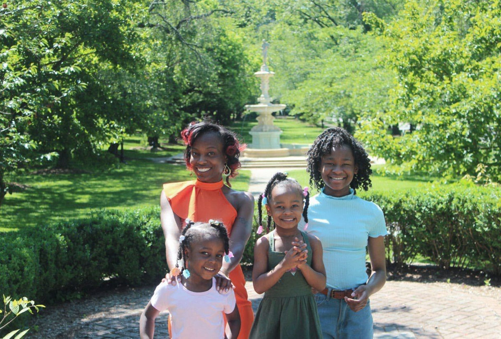Shané Darby and her children.