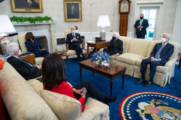 Biden and Harris in Oval Office