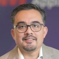 Omar Vargas headshot