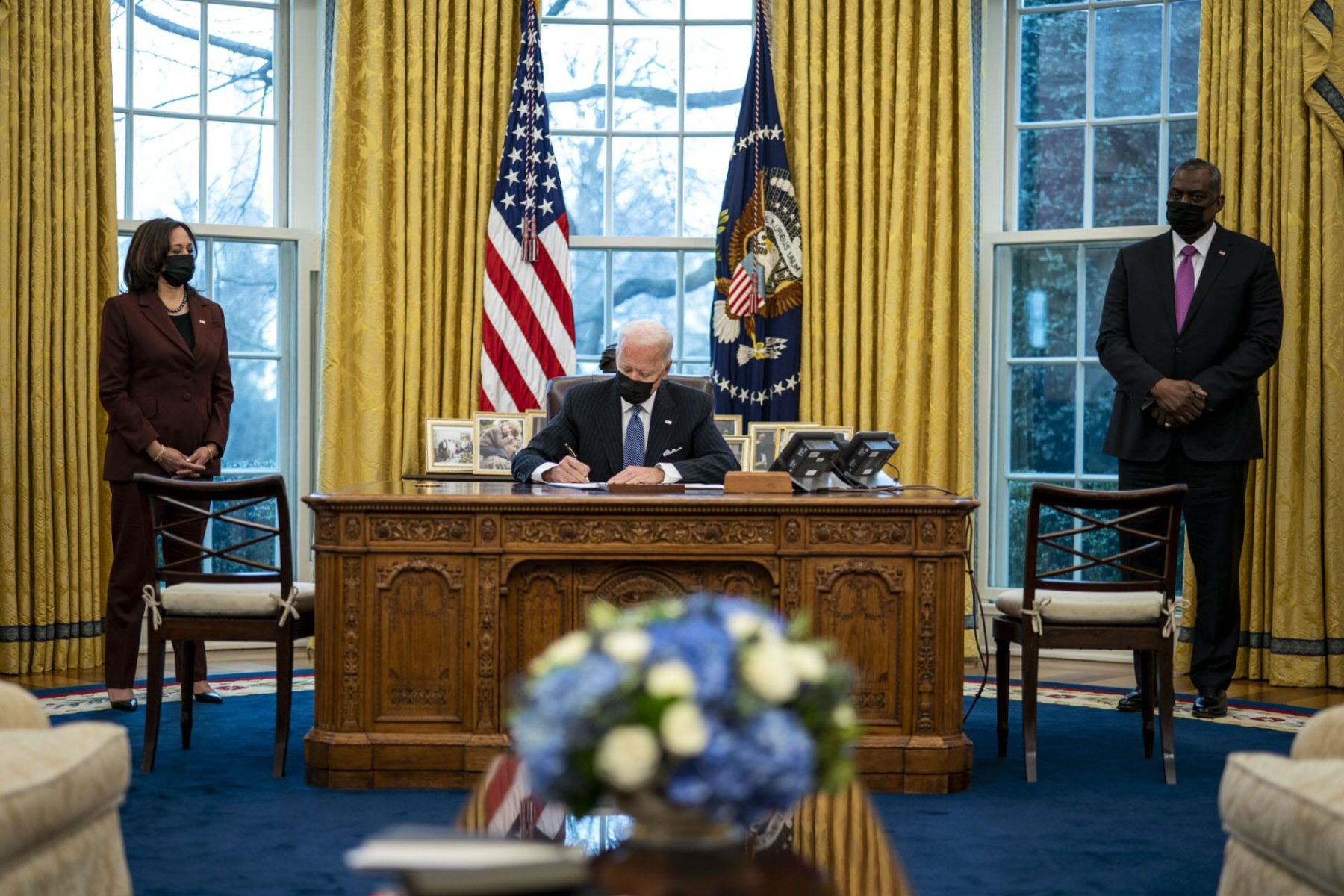 Biden signs order repealing trans military ban