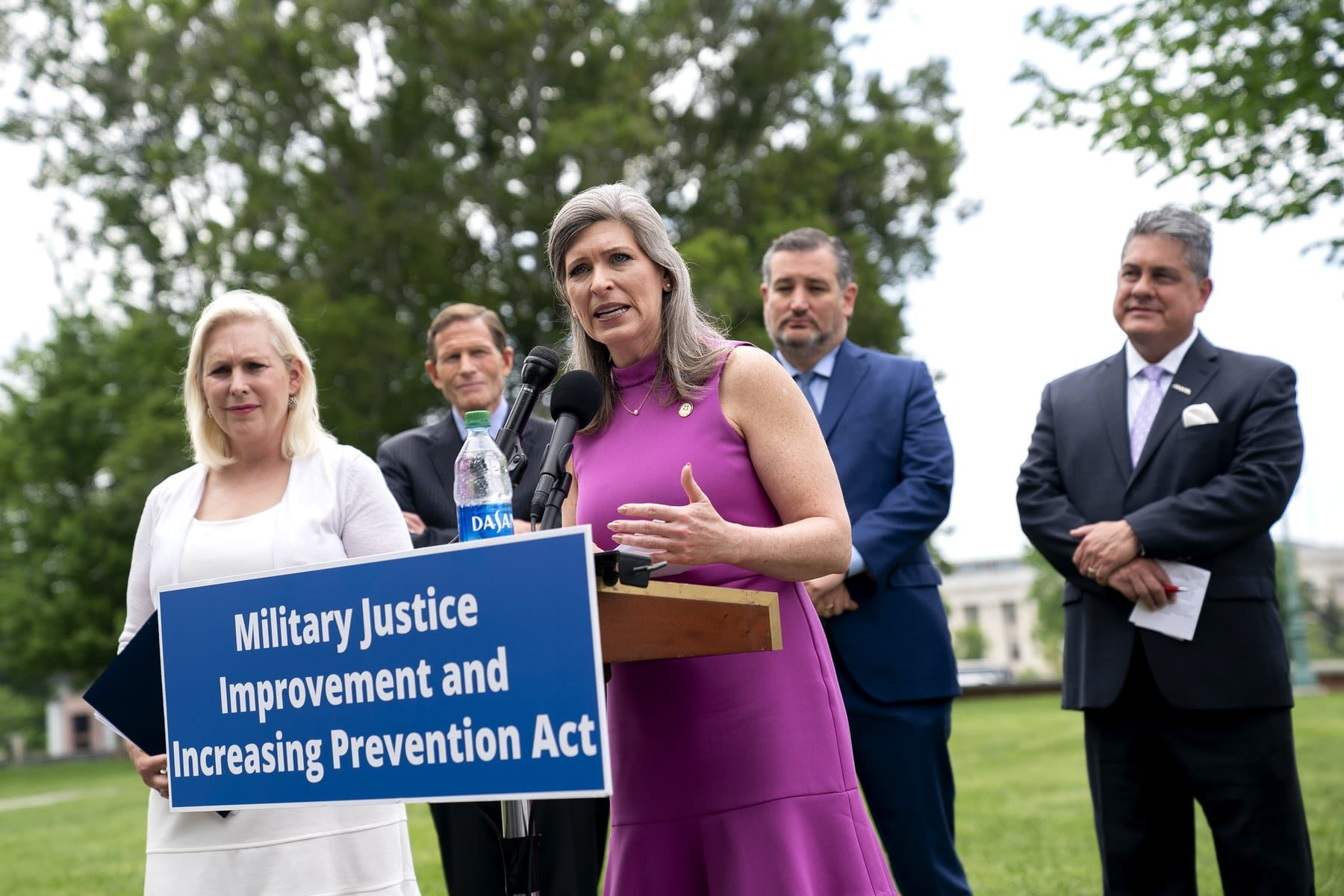 U.S. Sen. Joni Ernst (R-IA) (C), and other members of Congress, speaks during a news conference outside the U.S. Capitol.