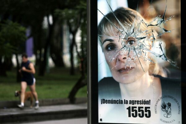 A poster of an campaign in Guatemala about domestic violence.